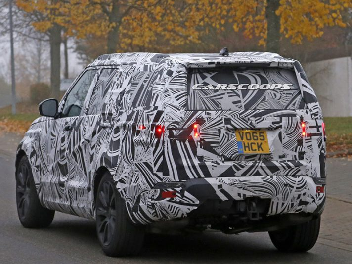 Land Rover Discovery 2017, le foto spia