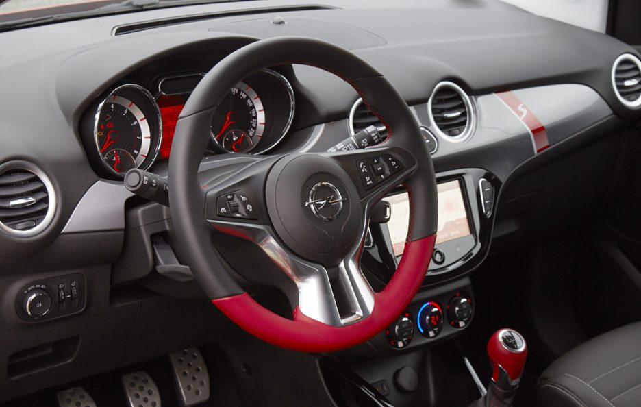 Opel Adam S interni