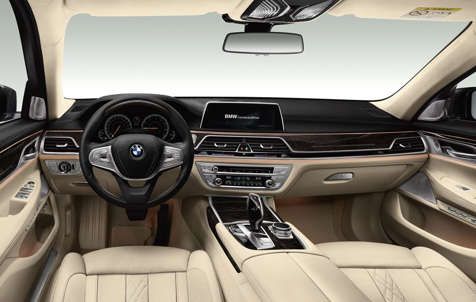 BMW serie 7 interni