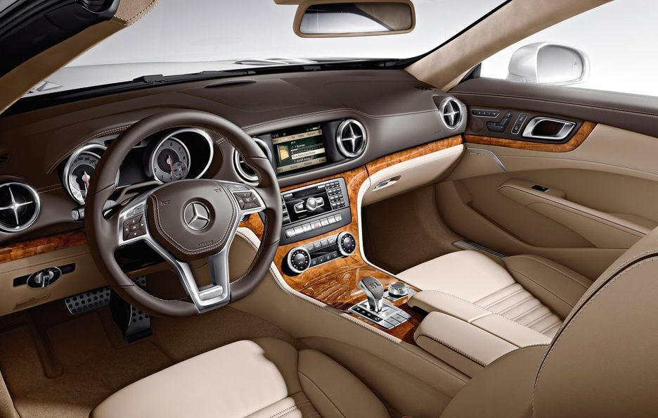 Mercedes SL interni