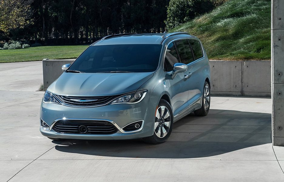 Chrysler Pacifica, a Detroit 2016 la ibrida FCA