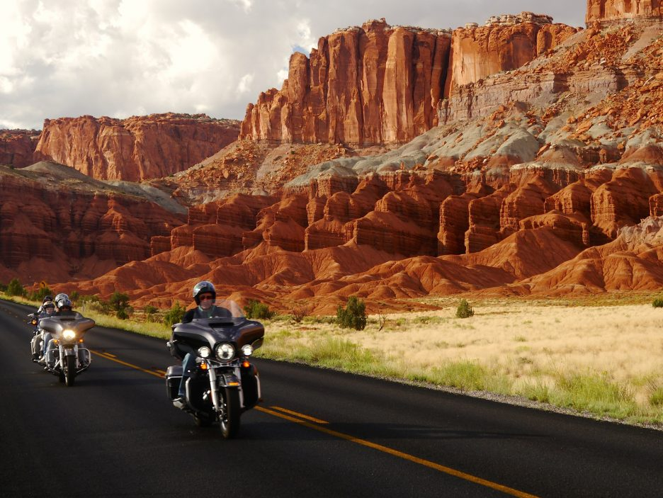 RED ROCK RIDING