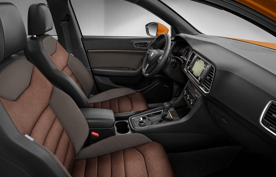 Seat-Ateca_2017_1600x1200_wallpaper_0c