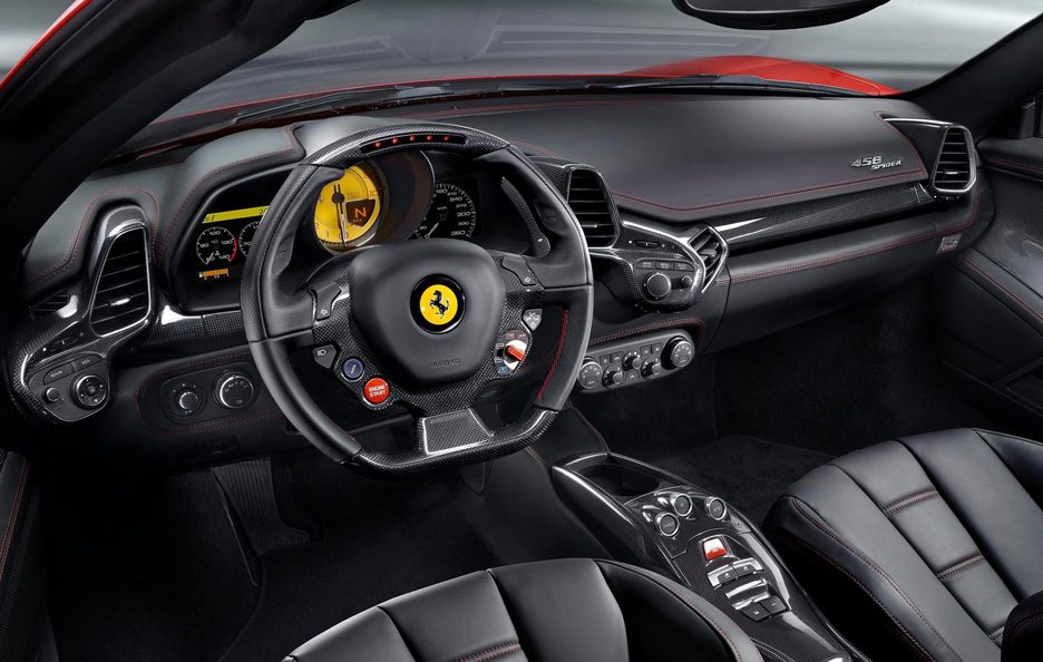 Ferrari 458 Spider interni
