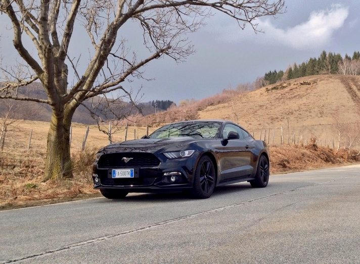 Ford Mustang EcoBoost1