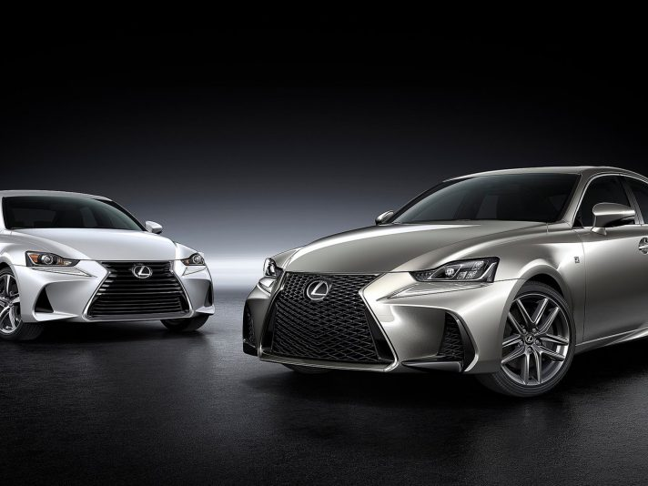 Lexus IS: a Pechino debutta il restyling