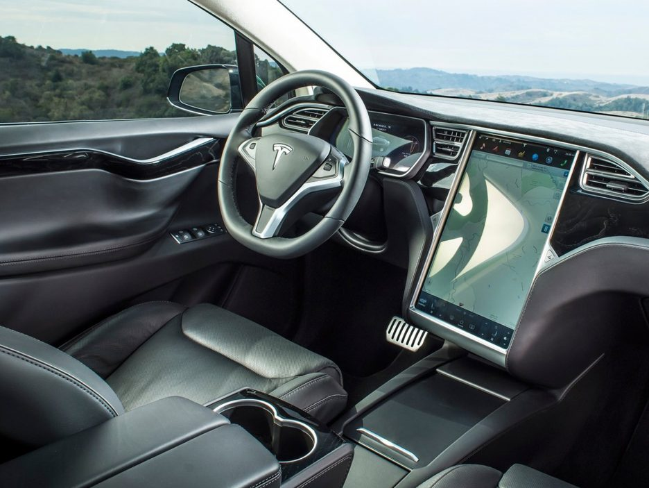2017 - Tesla Model X interni