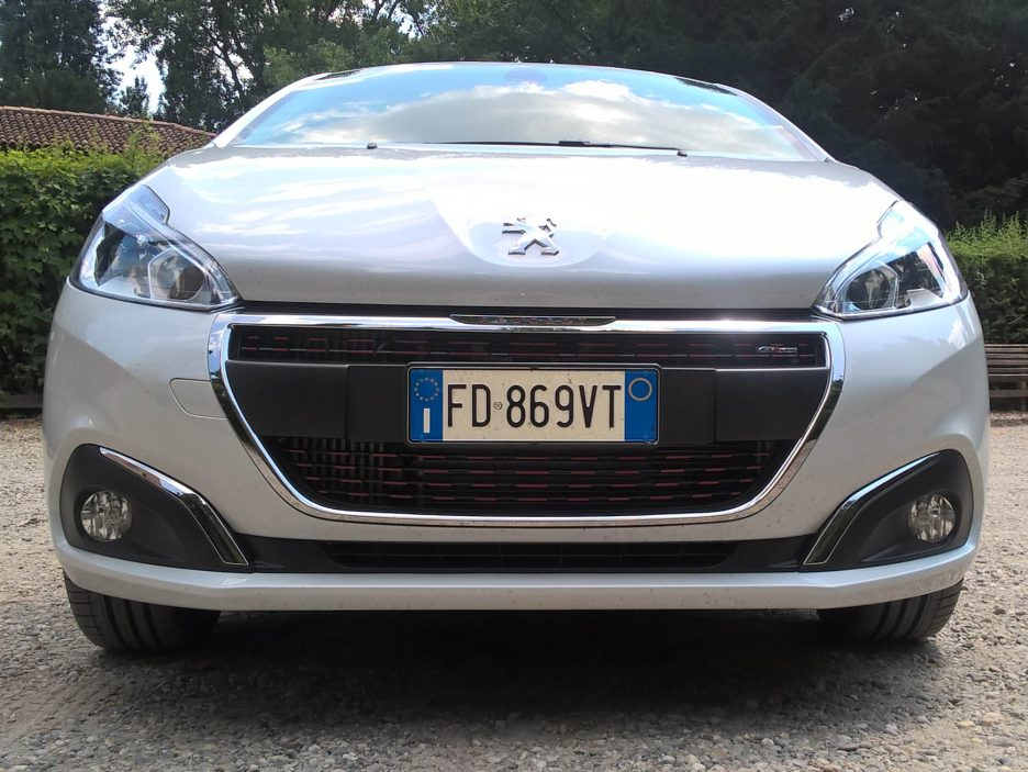 Peugeot 208 frontale