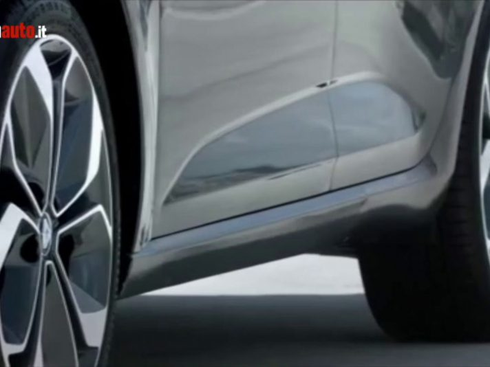 Renault Megane Sedan, il video ufficiale