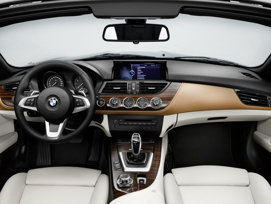 P90138610_highRes_the-new-bmw-z4-with-