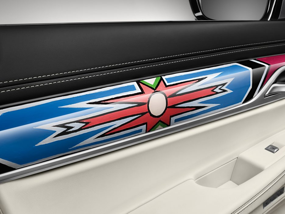 BMW Individual Serie 7 by Esther Mahlangu