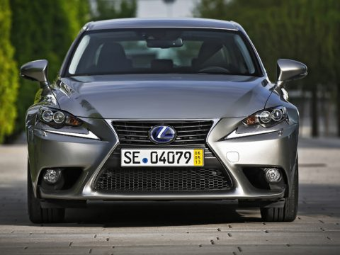 Lexus IS frontale