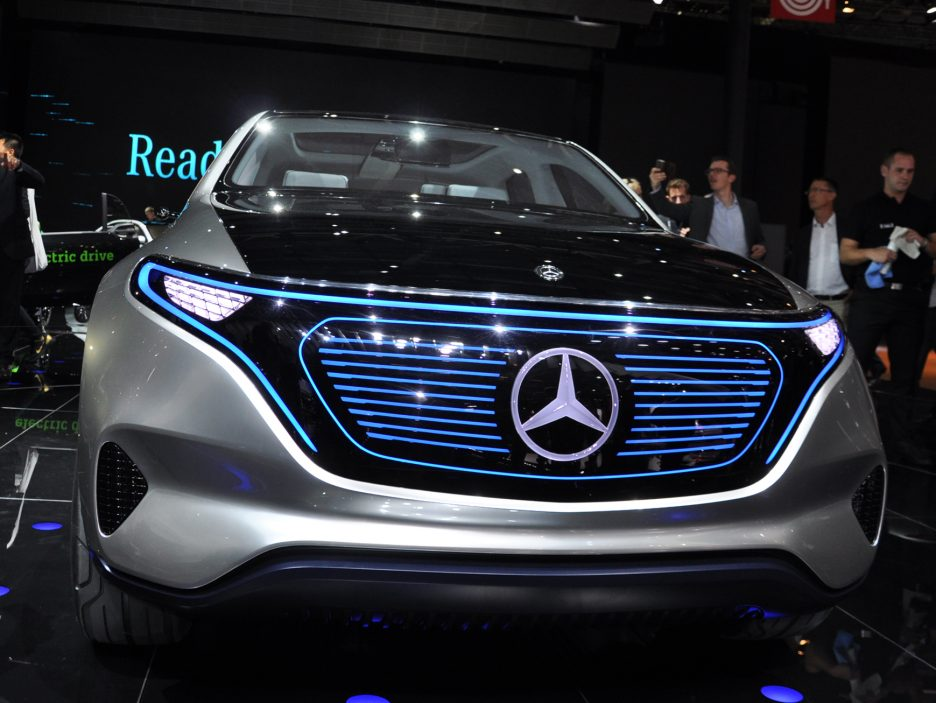 Mercedes Generation EQ frontale - Salone Parigi 2016