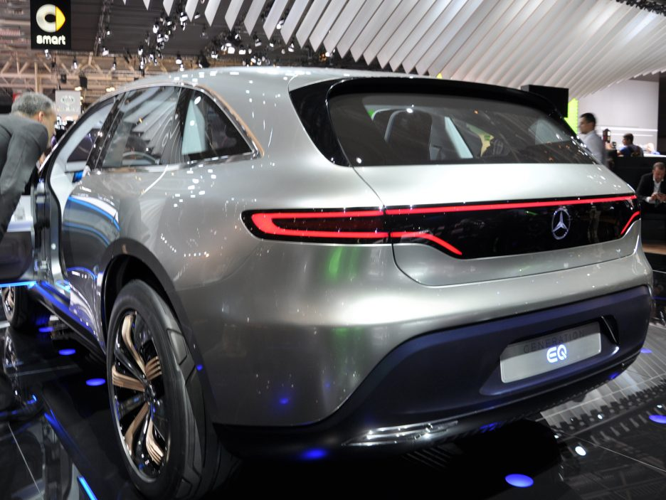 Mercedes Generation EQ tre quarti posteriore 2 - Salone Parigi 2016