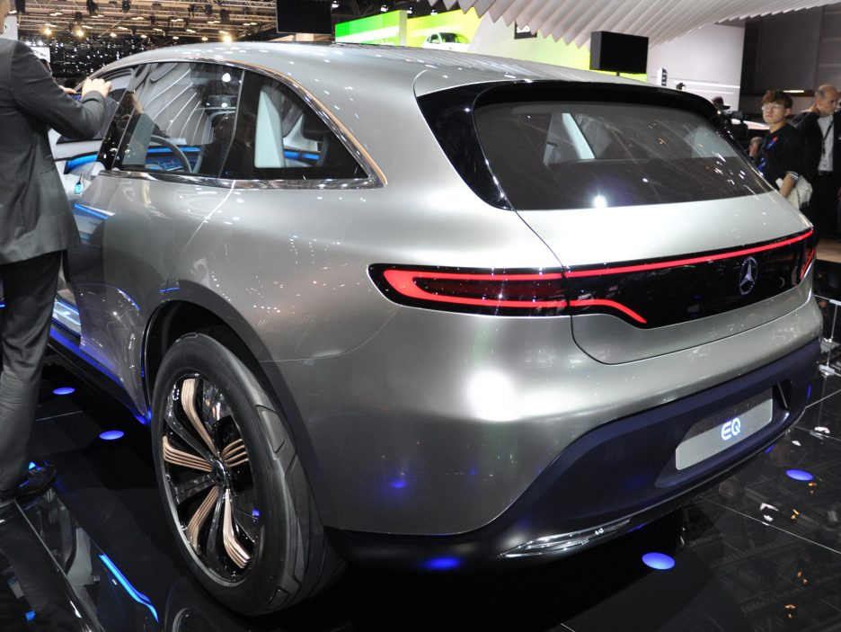 Mercedes Generation EQ tre quarti posteriore - Salone Parigi 2016
