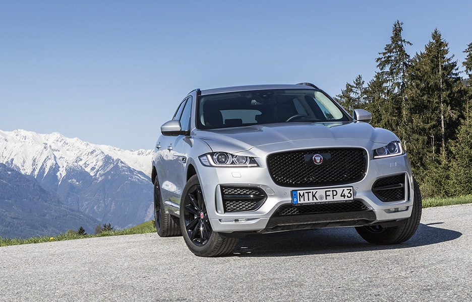 F-Pace_RhodiumSilver_03