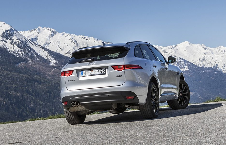F-Pace_RhodiumSilver_06
