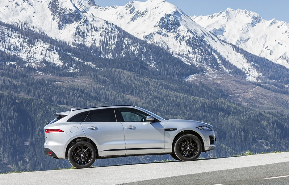 F-Pace_RhodiumSilver_08