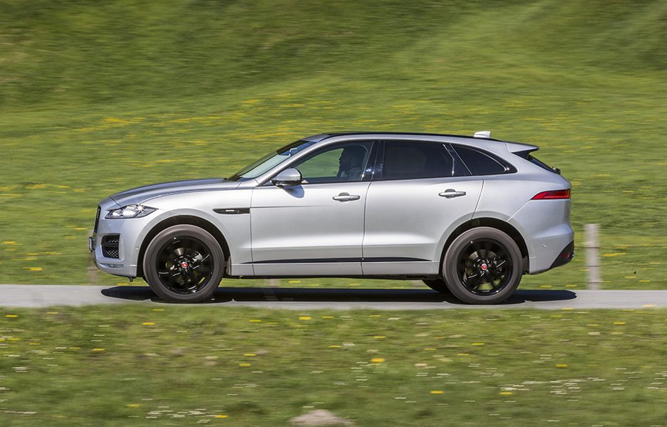 F-Pace_RhodiumSilver_15