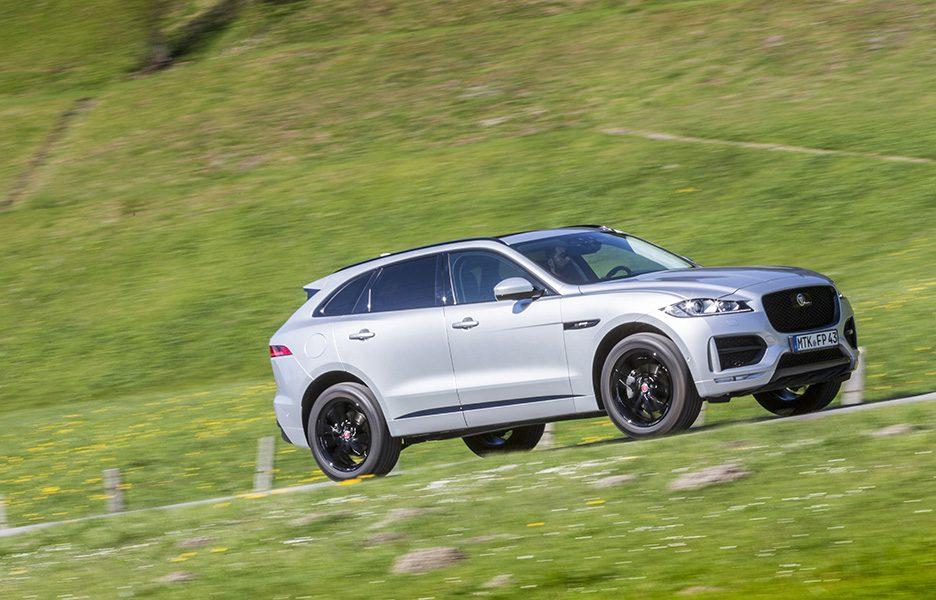 F-Pace_RhodiumSilver_17