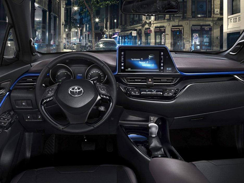 Toyota C-HR interni