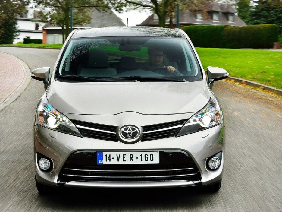 Toyota Verso frontale