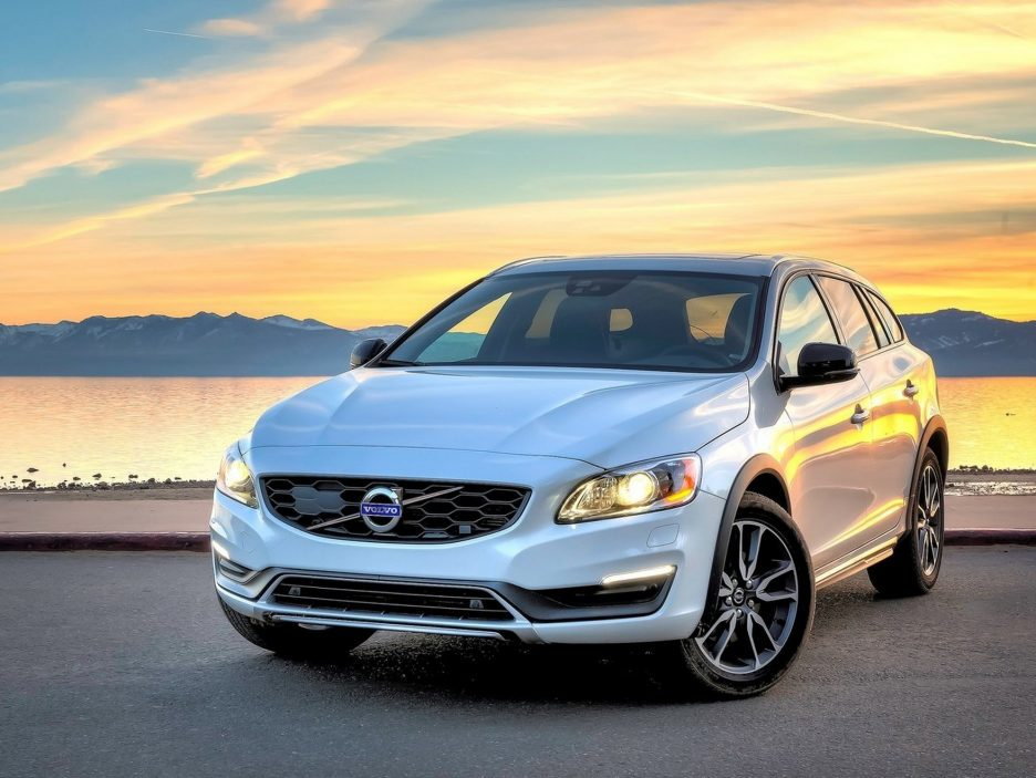 volvo v60 cross country foto panoramauto. Black Bedroom Furniture Sets. Home Design Ideas