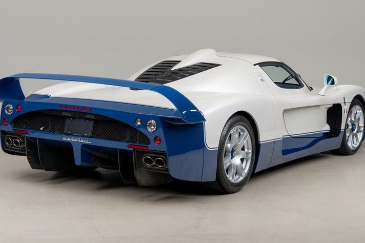 Legendary Cars - Maserati MC12