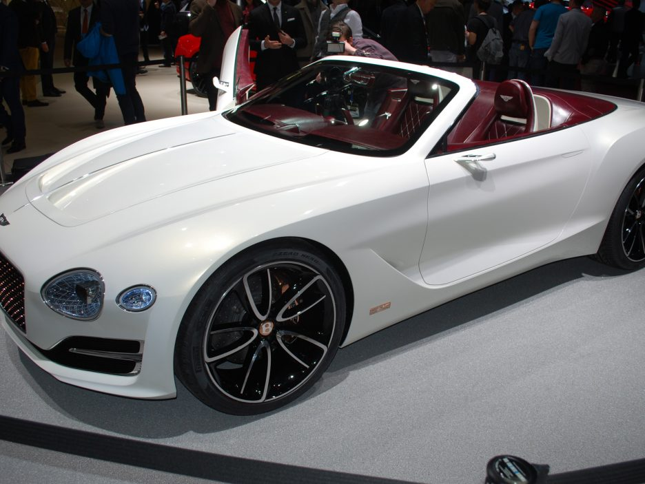 Bentley a Ginevra 2017: EXP 12 Speed 6e Concept