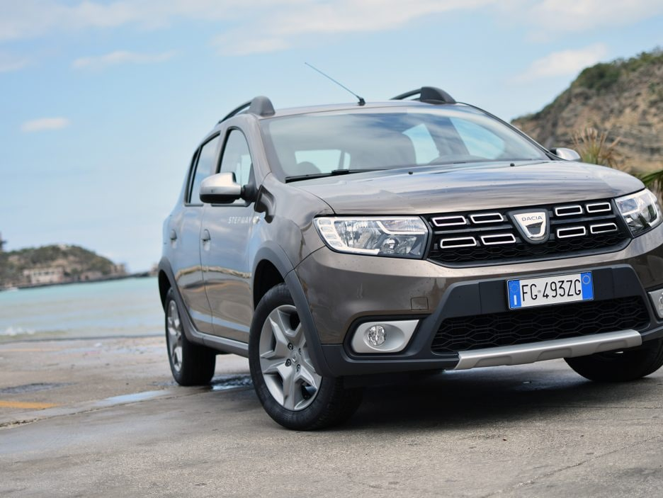 dacia sandero stepway 1 5 dci 90 cv easy r prova su strada panoramauto. Black Bedroom Furniture Sets. Home Design Ideas