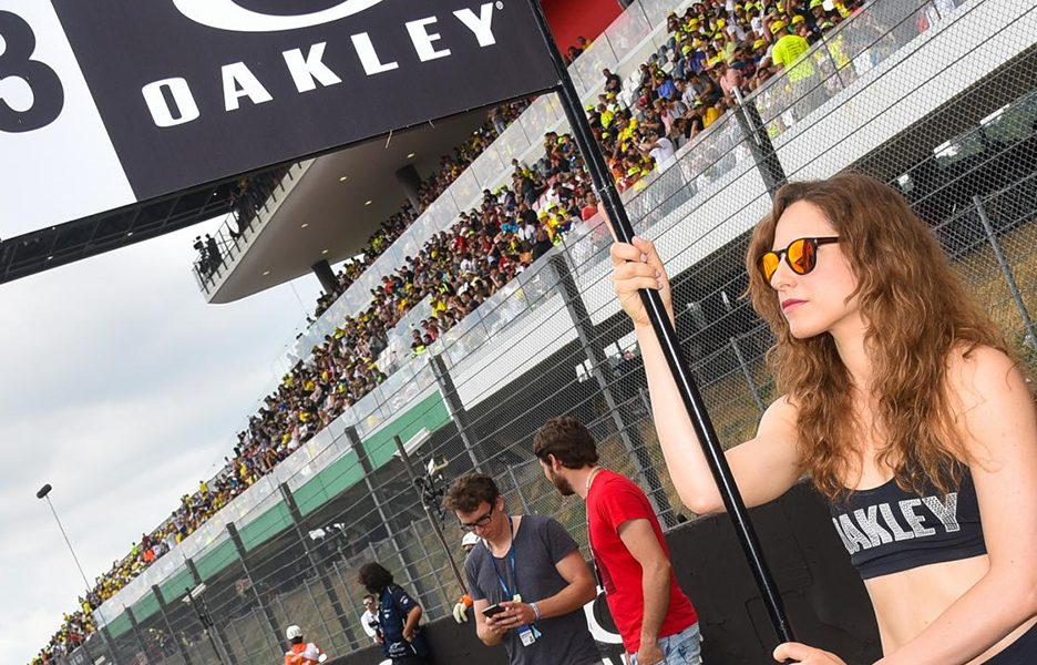 paddock-girlsdsc_3640.gallery_full_top_lg