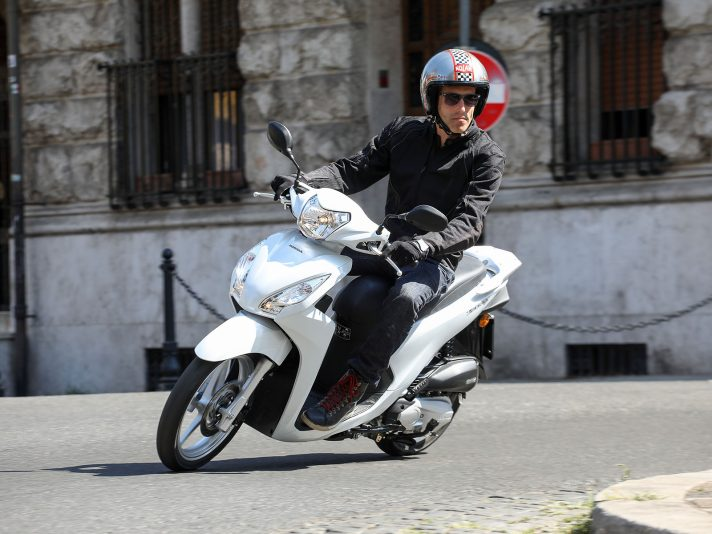 Honda, la gamma 125 per patente B: easy test