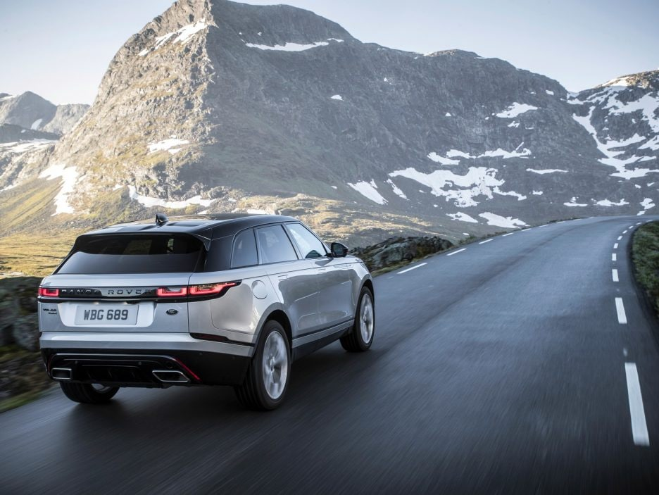 range rover velar svr su strada nel 2019 anteprime panoramauto. Black Bedroom Furniture Sets. Home Design Ideas