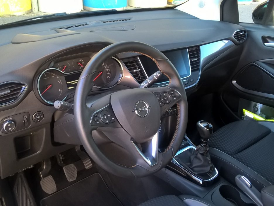 Opel Crossland X interni