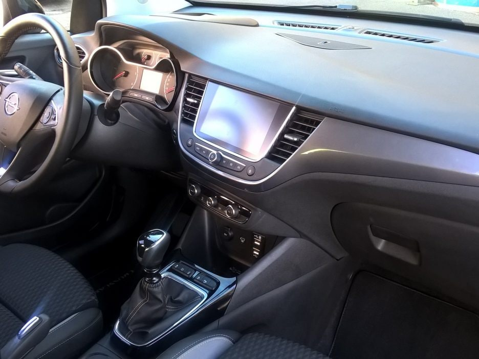 Opel Crossland X interni 2