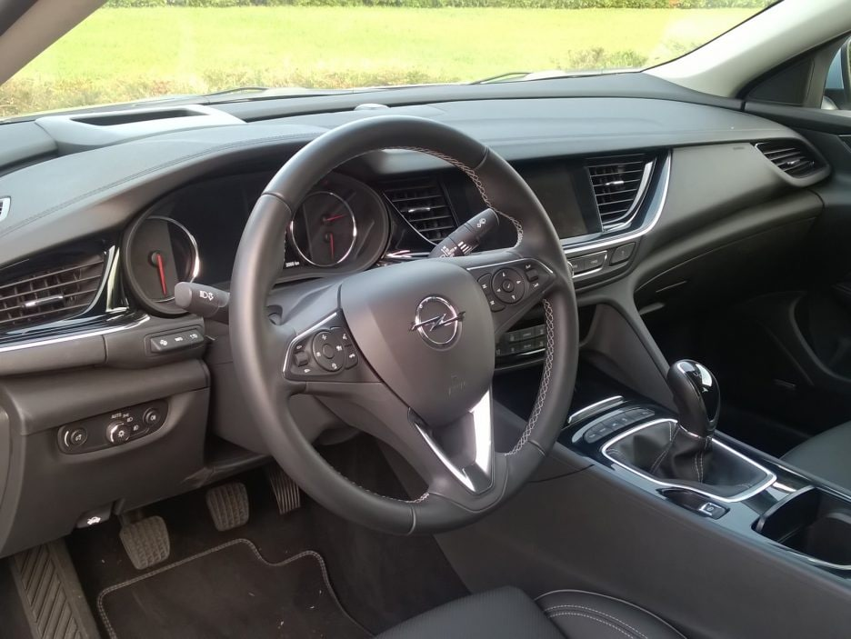 Opel Insignia Grand Sport interni