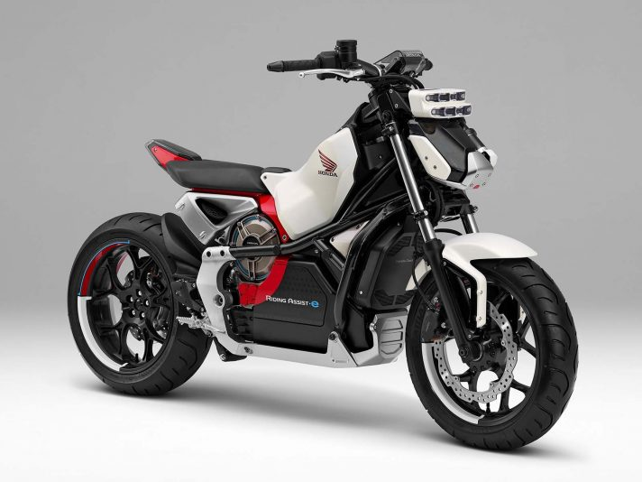 Riding Assist-e, prove di futuro a due ruote in Honda