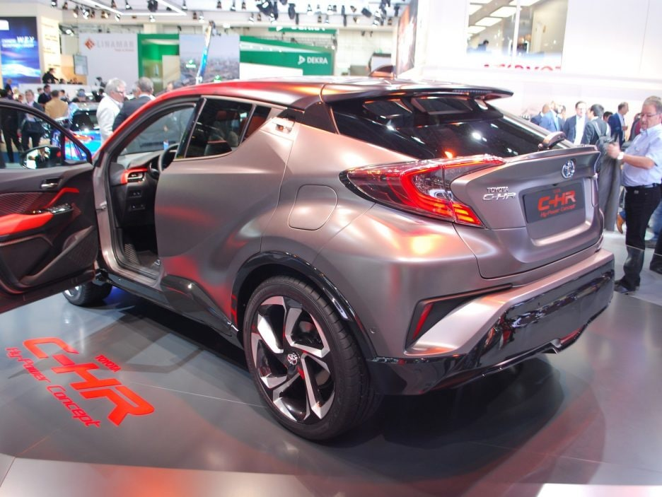 Toyota C-HR HY-POWER tre quarti posteriore - Francoforte 2017