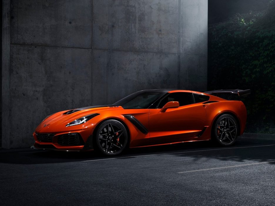Chevrolet-Corvette_ZR1-2019-1600-01
