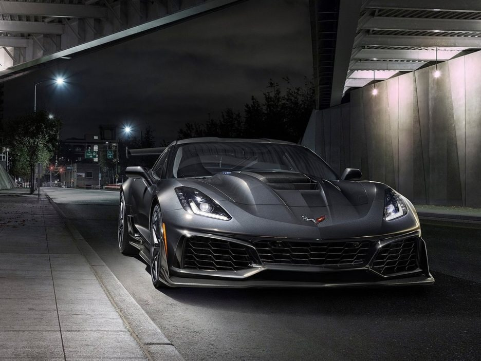 Chevrolet-Corvette_ZR1-2019-1600-02