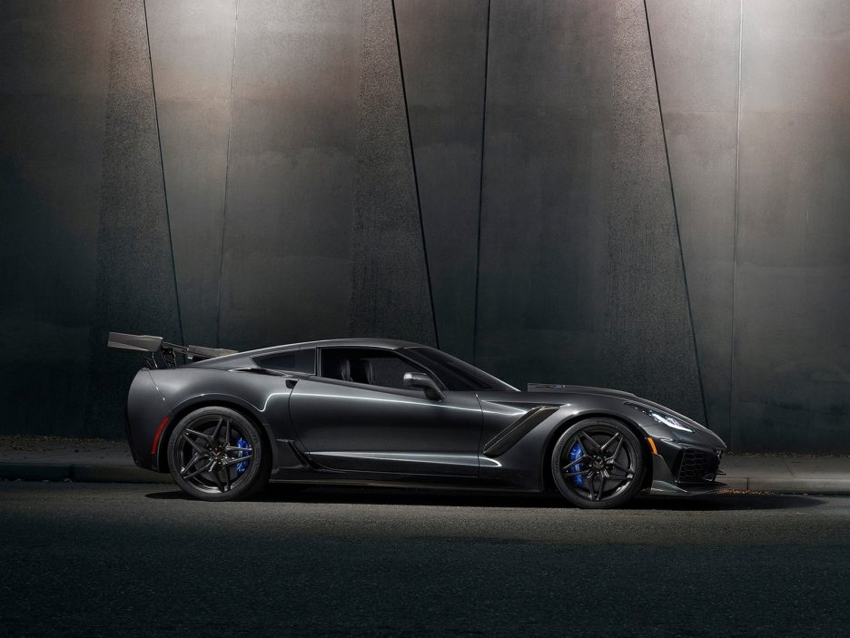 Chevrolet-Corvette_ZR1-2019-1600-03