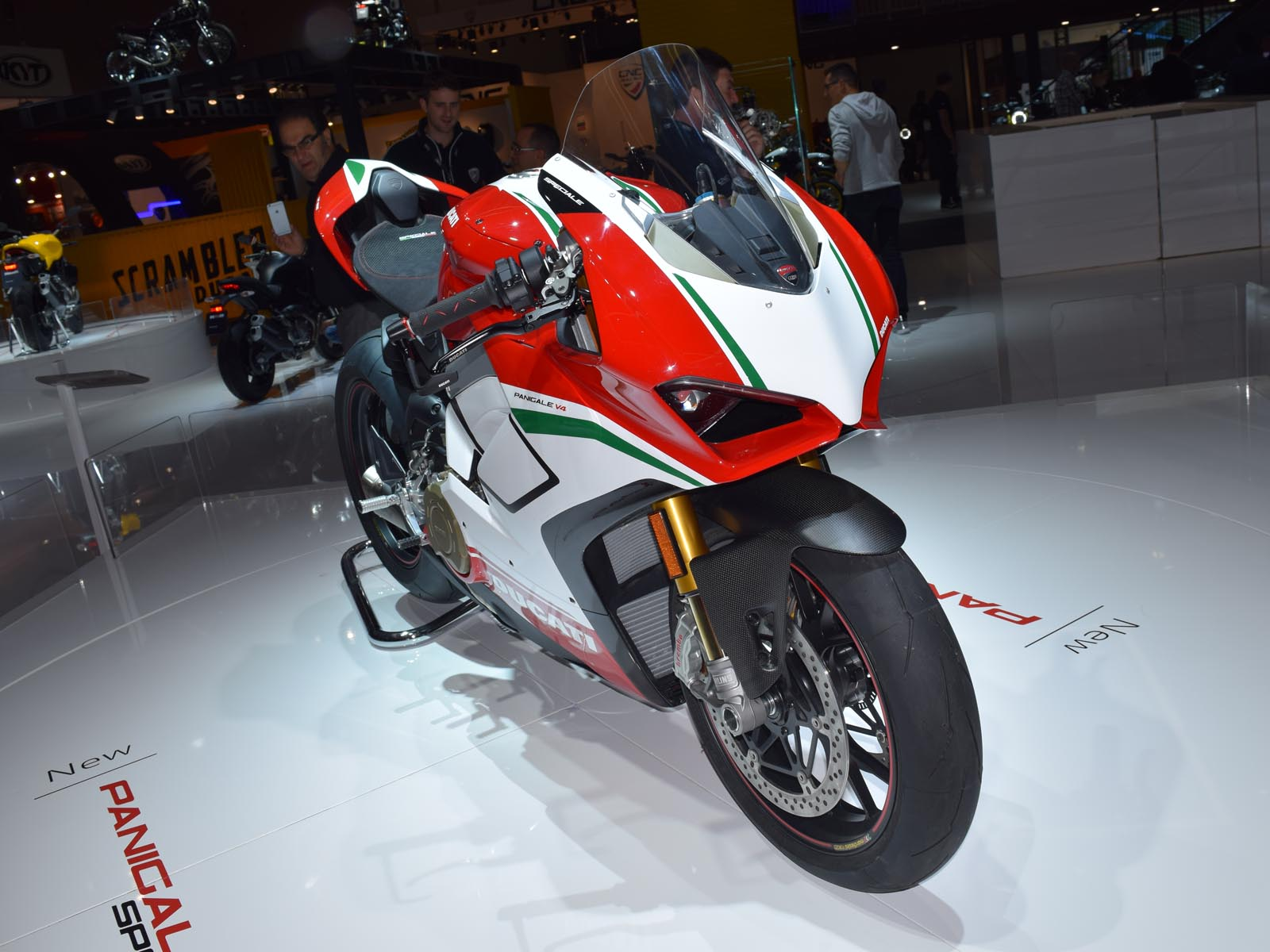 ducati v4 panigale eletta moto pi bella di eicma 2017 eicma 2017 panoramauto. Black Bedroom Furniture Sets. Home Design Ideas