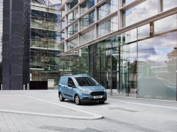 Ford Transit Courier: restyling di sostanza