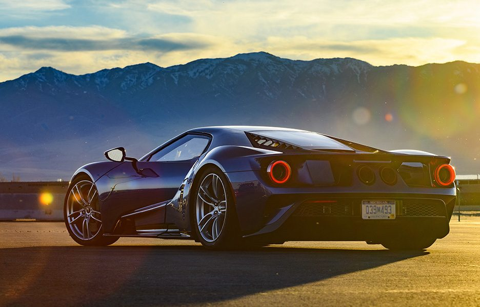 881697-Ford-GT