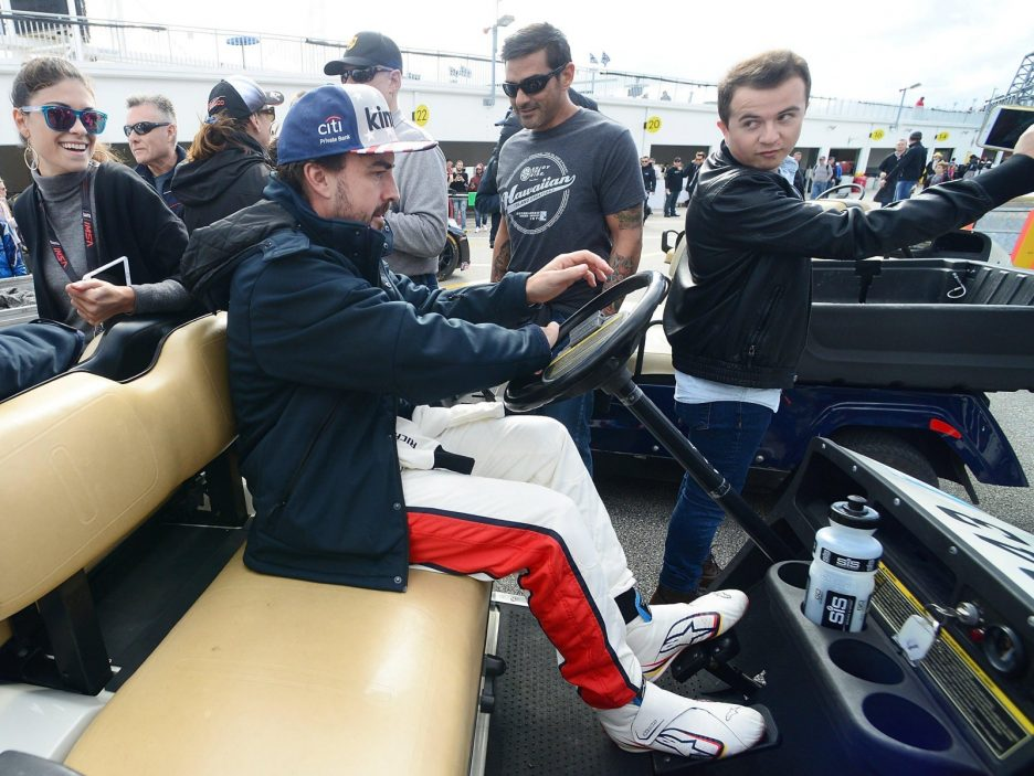 Free practice for the Rolex 24 Hours in Daytona Beach
