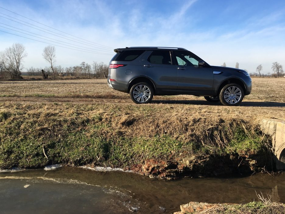 Land Rover Discovery 16