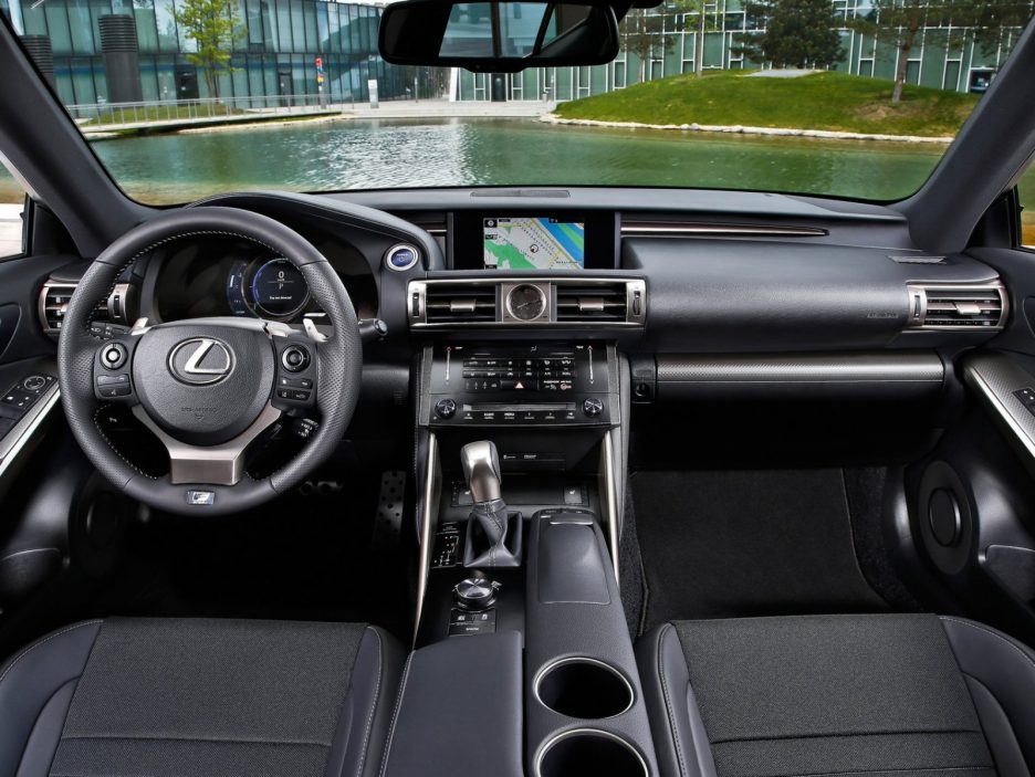 Lexus IS interni