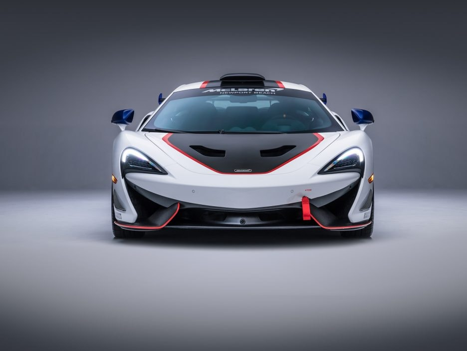 Medium-8820McLaren-MSO-X---08-Anniversary-White_Red-and-Blue-Accents---01