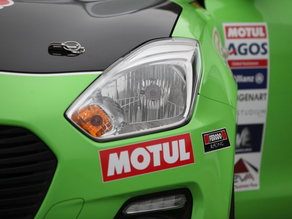 Suzuki Swift RS faro anteriore