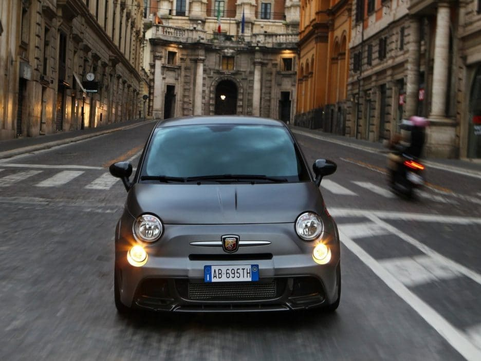 Abarth 695 frontale